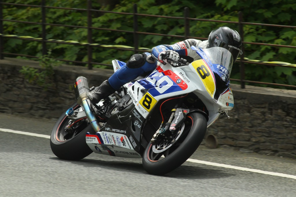 TYCO BMW TO FORGE AHEAD WITHOUT GUY MARTIN AT 2016 TT
